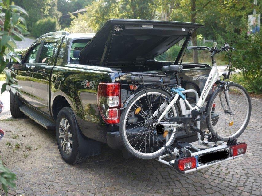 Ford Ranger Doppelkabine Wildtrak Raptor alternative zum Rollo Deckel Lackiert in Wagenfarbe passend zu Original Wildtrak Bügel
