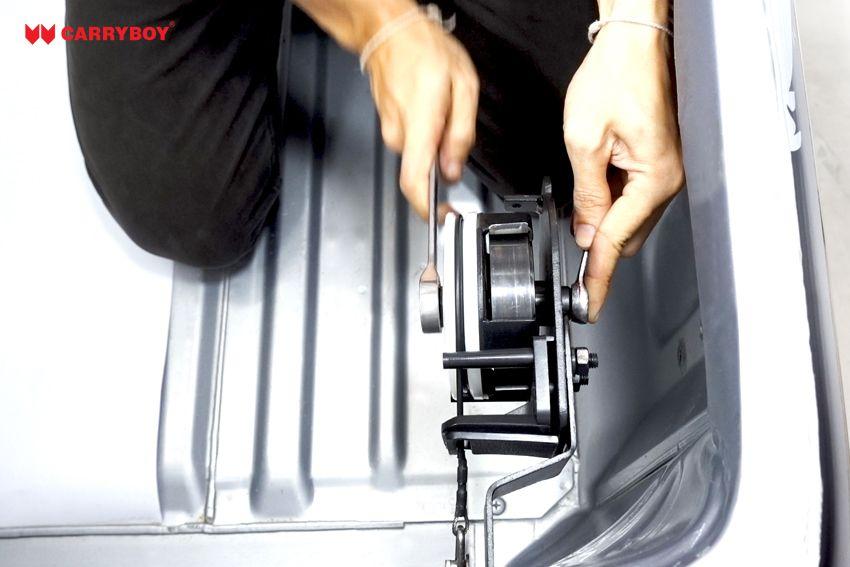 CARRYBOY Heckklappenfeder Heckklappendämpfer CB-777-NP3DL Nissan Navara stufenlos verstellbar