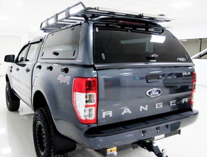 CARRYBOY GFK Hardtop mit seitlichen Glasklappen und getönter Heckscheibe SO-FTD Ford Ranger Doppelkabine