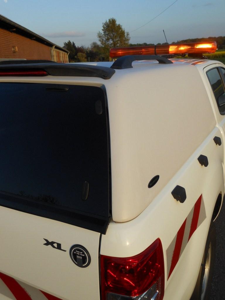 CARRYBOY Hardtop Zubehör Isuzu D-Max Spacecab Extrakabine 2002-2011 Hardtop ohne Seitenfenster Lackierung in Wagenfarbe