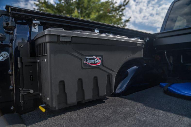 NOVISauto CARRYBOY Werkzeugbox Staubox Toolbox schwenkbar Pickup Ladefläche F150 2014+ und 2021+ verhindert verrutschen von Gegenständen