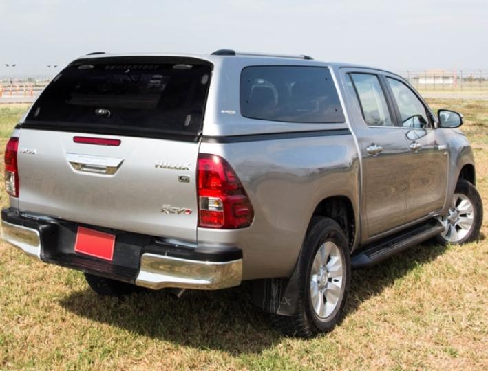 Toyota Hilux Hardtop Modell S6 mit Ausstellfenstern- CARRYBOY - Ansicht von hinten