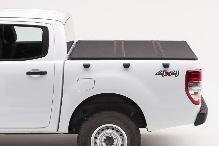 NOVISauto Laderaumabdeckung zum Falten Trifold SOLIDFOLD Ford Ranger Doppelkabine 2012+ abschließbar über Heckklappenschloss
