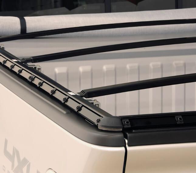 NOVISauto Laderaumabdeckung Plane zum Rollen BLACKMAX  - R09