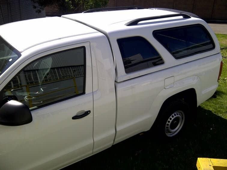 CARRYBOY Hardtop 560 mit seitlichen Schiebefenster für VW Amarok Einzelkabine Singlecab kleines Ausstellfenster
