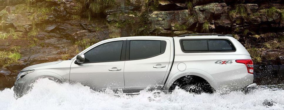 CARRYBOY Zubehör Hardtop mit Schiebefenster Mitsubishi L200 Doppelkabine 2016+ inklusive Dachreling und Spoiler