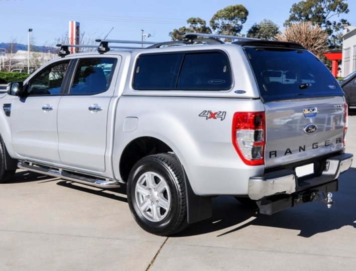 Ford Ranger Doppelkabine GFK Hardtop Ford Ranger Doppelkabine 2012+ Lackierung in Wagenfarbe