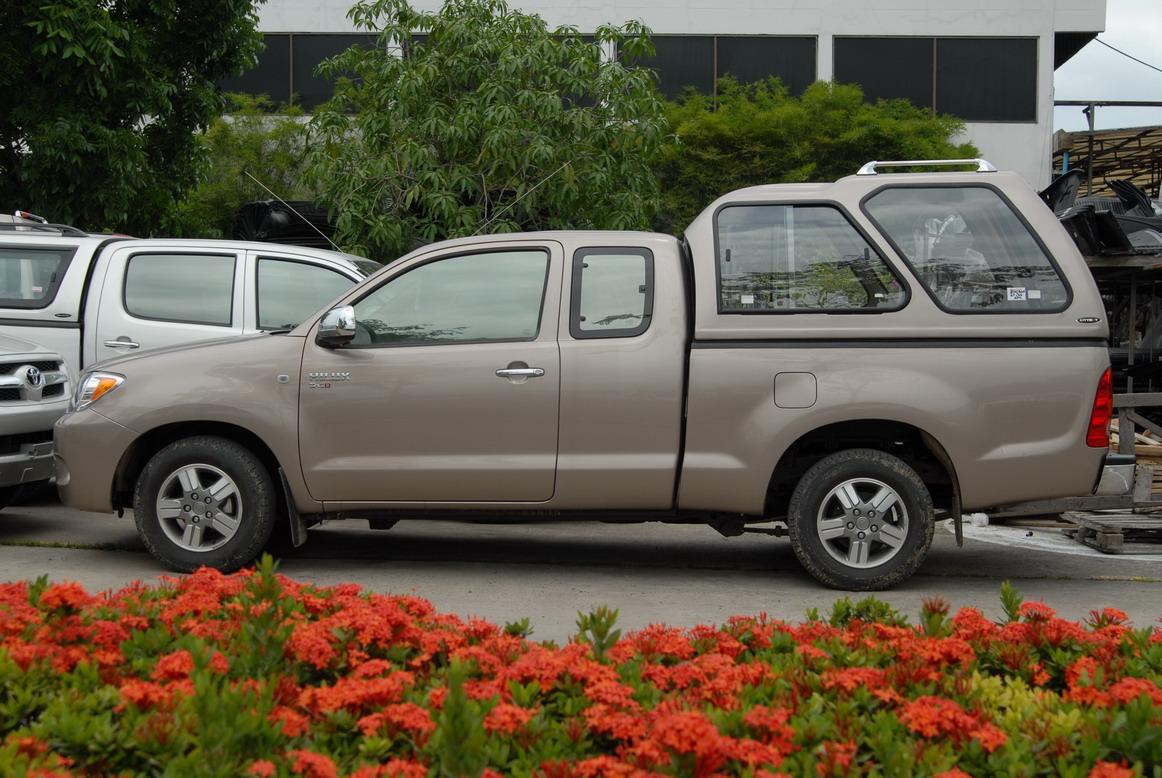 CARRYBOY Hardtop 840-MTCP mit Überhöhe und Schiebefenster Mitsubishi L200 Clubcab_Extrakabine 2009-2015 Überhohes GFK Hardtop