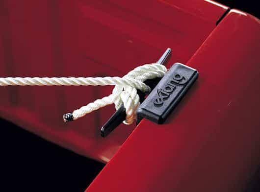 CARRYBOY NOVISAUTO Verzurrklampe für Pickup Laderaum schnelle Ladungssicherung ohne Werkzeug platzsparend an Ladeflächenrand eingebaut für Bänder und Seile