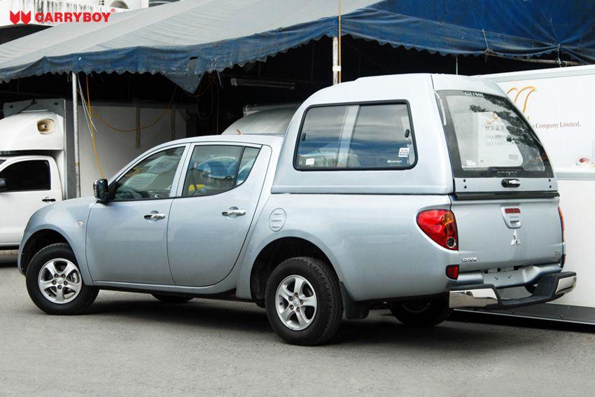 CARRYBOY Hardtop mit Überhöhe über Kabine mit Schiebefenster GFK Hardtop 840-MTD Mitsubishi L200 Doppelkabine 2005-2014