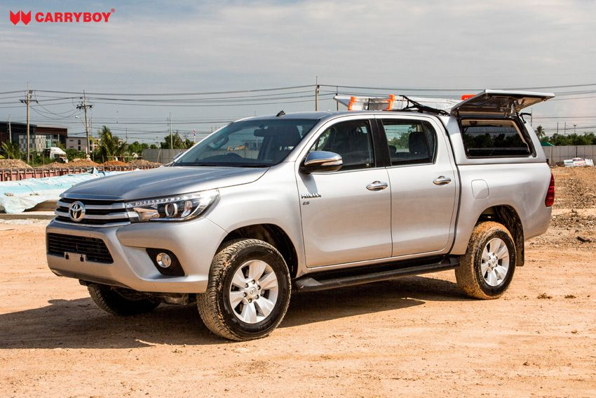 CARRYBOY Gewerbehardtop robustes GFK WM-TRD Toyota Hilux Doppelkabine Revo Invincible geschlossene große Seitenklappen Wagenfarbe lackiert