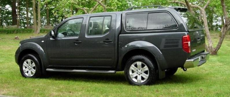 CARRYBOY Hardtop mit Schiebefenster für Nissan Navara D40 Doppelkabine Langform Lackierung in Wagenfarbe