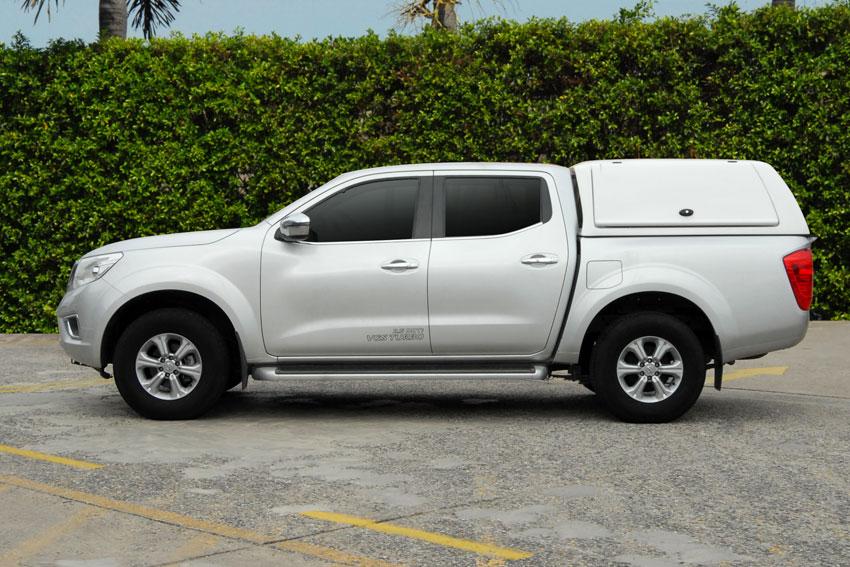 Nissan Navara Doppelkabine Hardtop WM von CARRYBOY für Gewerbe und Flotten weiß lackiert