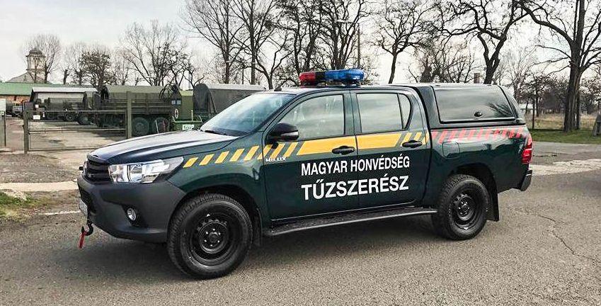CARRYBOY Gewerbehardtop robustes GFK WM-TRD Toyota Hilux Doppelkabine Revo Invincible geschlossene große Seitenklappen Flottenfahrzeug Feuerwehr