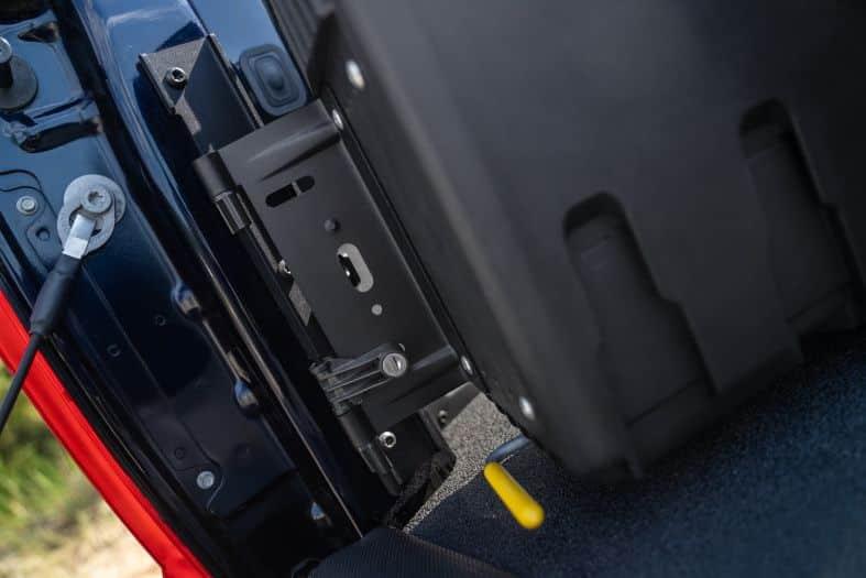 NOVISauto CARRYBOY Pickup Ladeflächen Werkzeugbox Staubox schwenkbar für GMC Sierra / Chevrolet Silverado 2012-2018 einfacher Einbau stabile Scharniere