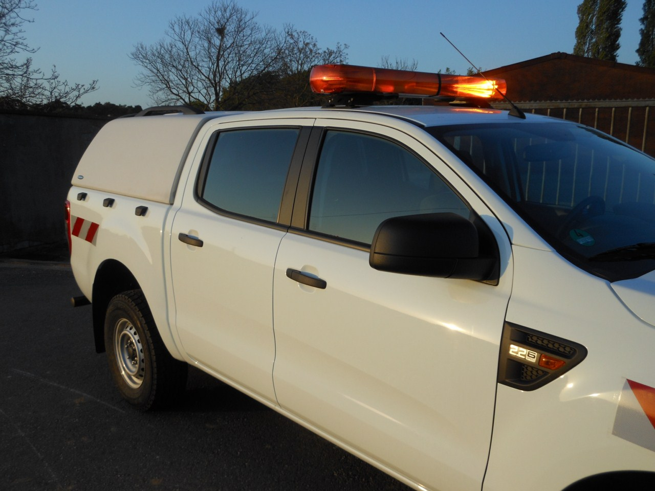 CARRYBOY Hardtop 560os_TVD ohne Seitenfenster Toyota Hilux Vigo Doppelkabine 2005-2015 Wagenfarbe