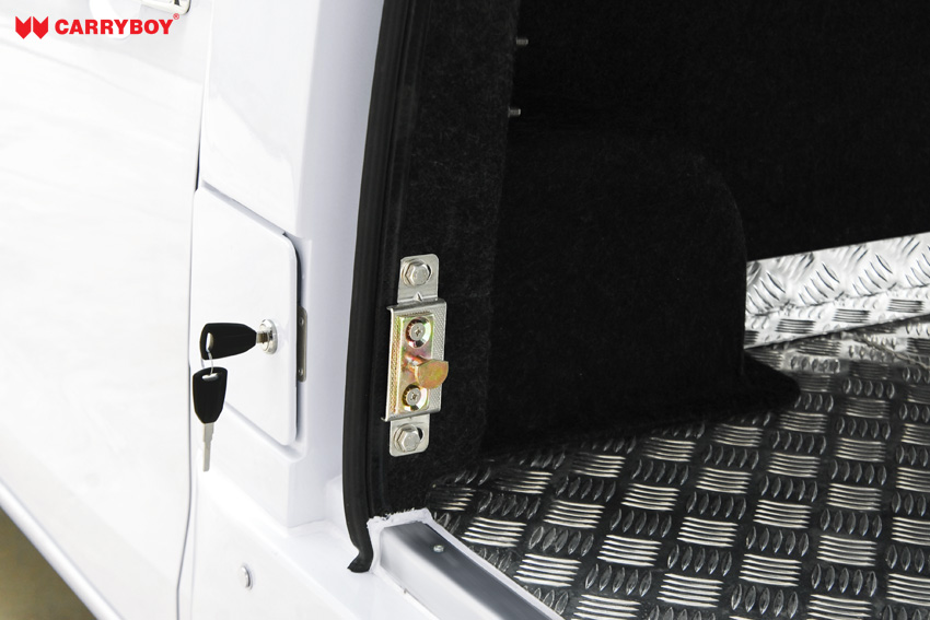 CARRYBOY Fahrgestellaufbau Kofferaufbau für Ford Ranger Singlecab sicher abschließbar2