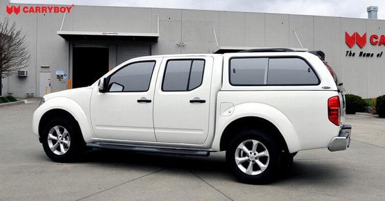 CARRYBOY Hardtop 560 mit seitlichen Schiebefenster für Nissan Navara D40 Doppelkabine Langform Dachreling 80kg
