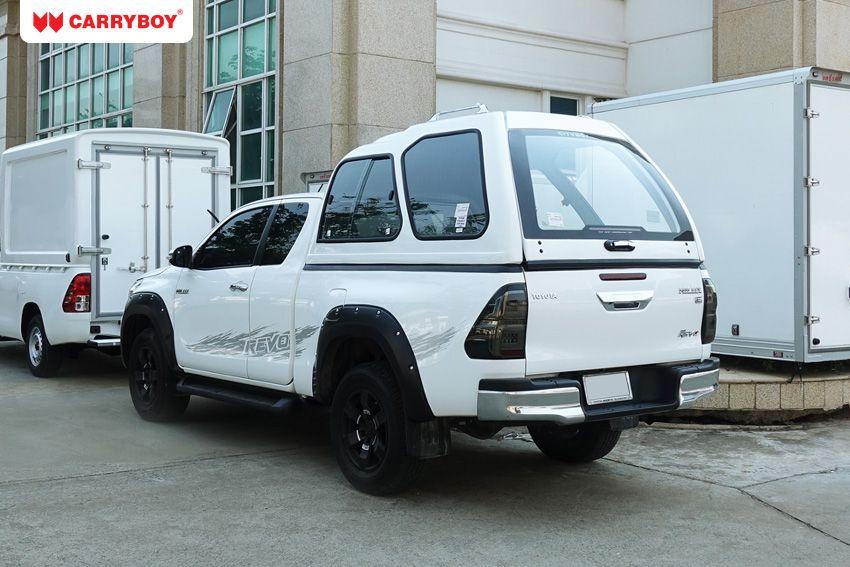 CARRYBOY Hardtop Überhöhe extrahoch 840-TRC mit Schiebefenster Toyota Hilux Revo Extrakabine 2016+ Lackierung in Wagenfarbe