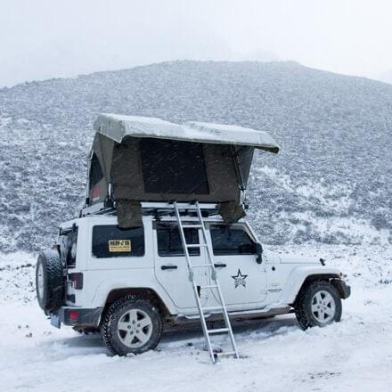 NOVISauto CARRYBOY Dachzelt Pathfinder II mit Hartschale und Motorhub geschützter Einstieg mit Schuhhaltern